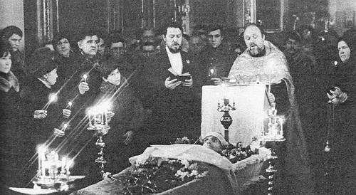 Отпевание Варлама Шаламова, Фото Олега Каплина из журнала Огонек, №22, 1989
