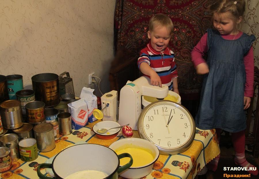 Рецепт кулича, рецепт пасхи, как готовить кулич, как готовить пасху, блюда пасхальные, старообрядцы, как отметить пасху, что приготовить на пасху, пасха из творога, пасхальный кулич, традиция, традиционный, православные рецепты, тесто для кулича рецепт, семейная традиция, празднование Пасхи, пасхальный стол, форма для пасхи, пасочница, пасхальница, форма для кулича, продукты для пасхи