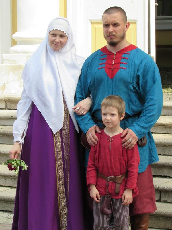 Молодая традиционная семья после службы: