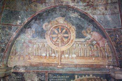 Святой Георгий подвергается пыткам на колесе, фреска из монастыря Высокие Дечани, Сербия, Косово