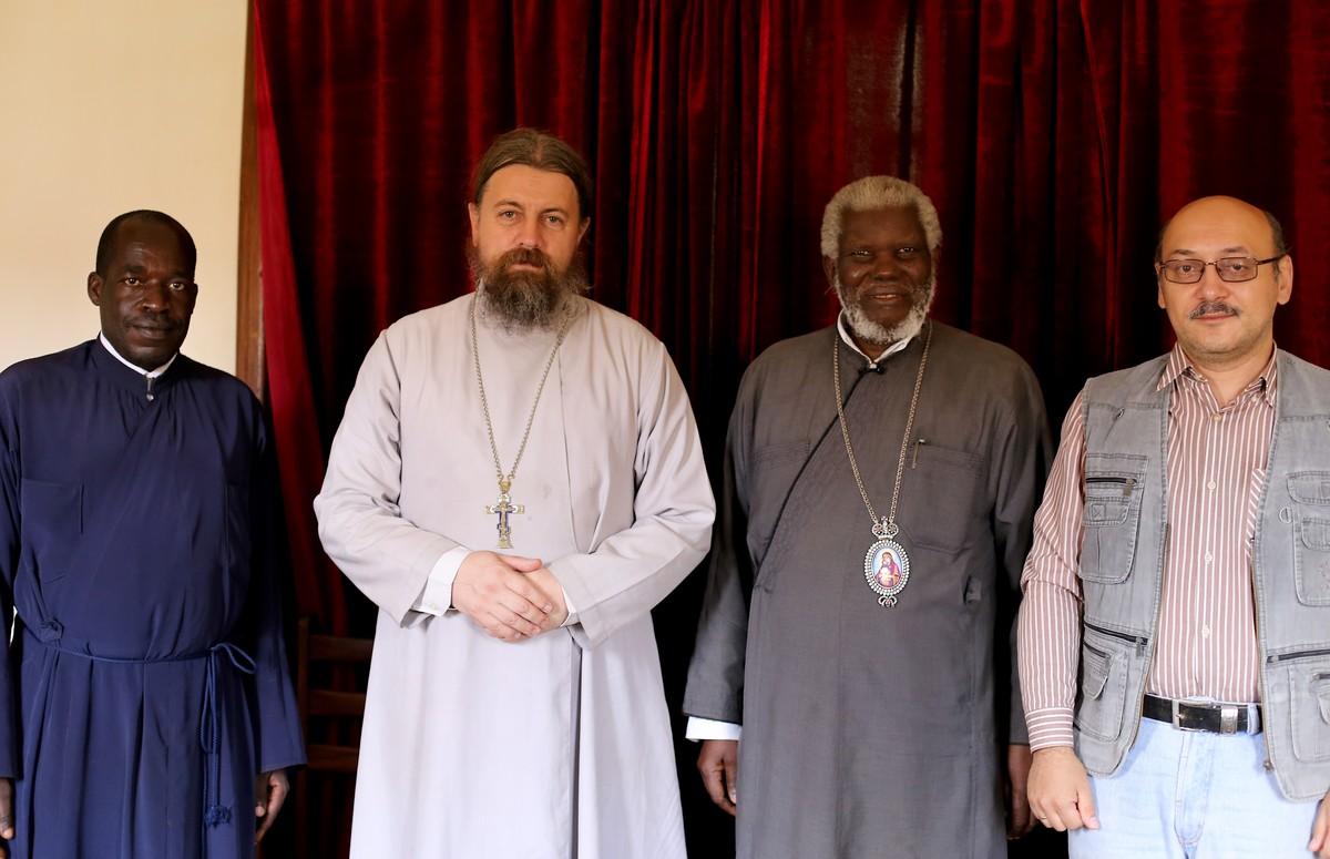 Встреча с Его Высокопреосвященством Митрополитом Кампальским и всея Уганды Ионой в его резиденции в Намунгоона