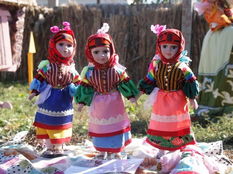 """Фарфоровые куклы """"Некрасовская казачка""""- костюмы пошиты в традициях Казаков-Некрасовцев. Все ткани оригинальные(турецкие,более 50 лет) !!! Куклы яркие и аккуратные!"""