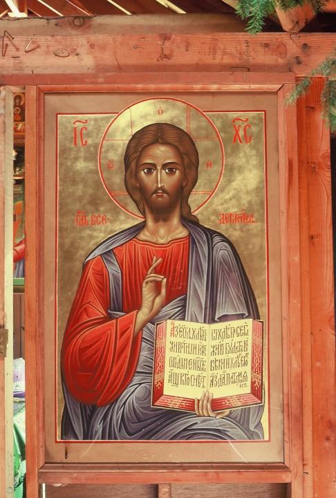 Эта огромная икона Христа Вседержителя одно время находилась в иконостасе собора РПЦЗ в Сан-Франциско